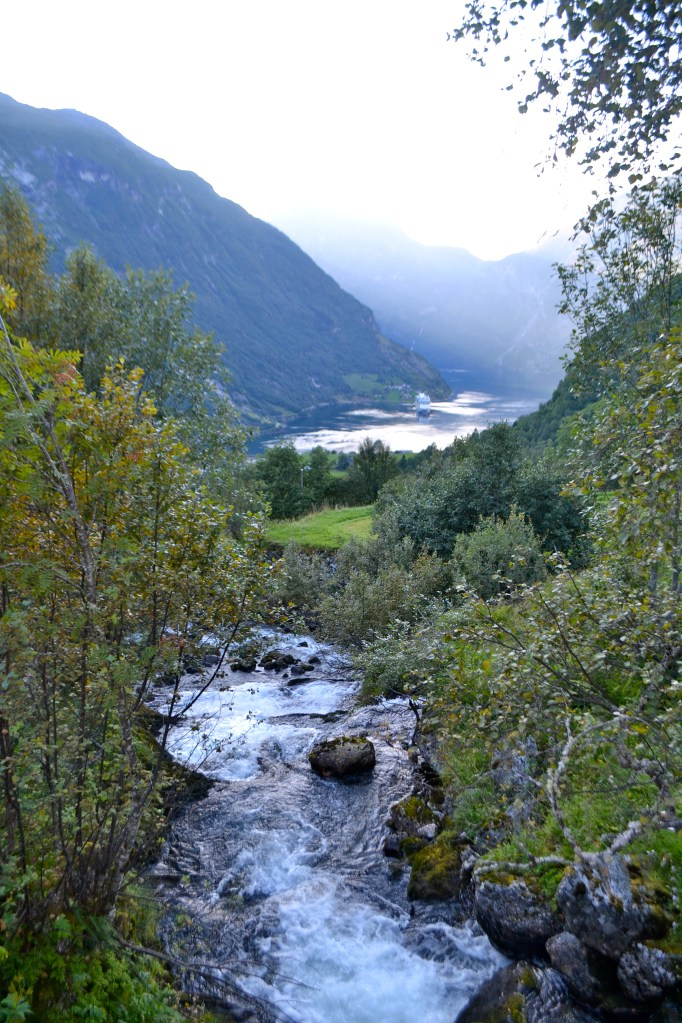 Lisa eats Norway – Boating on the Geirangerfjord