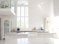 bright white minimalist interior design | lisamuaniez