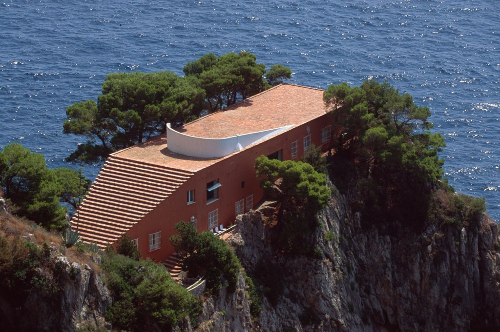 Villa Malaparte at Pizzolungo-Hikingtrail, Capri, Italy. Image shot 2010. Exact date unknown.
