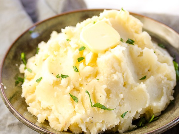 ultimate-roasted-garlic-mashed-potatoes-6638