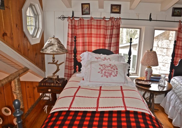Every check in this room says 'Cottage Bedroom'