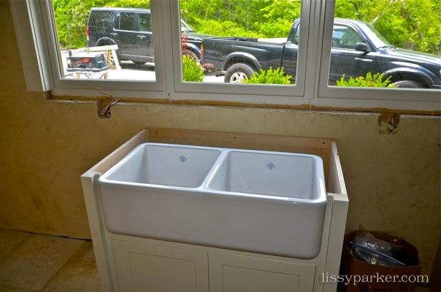 Always love a sink under the window
