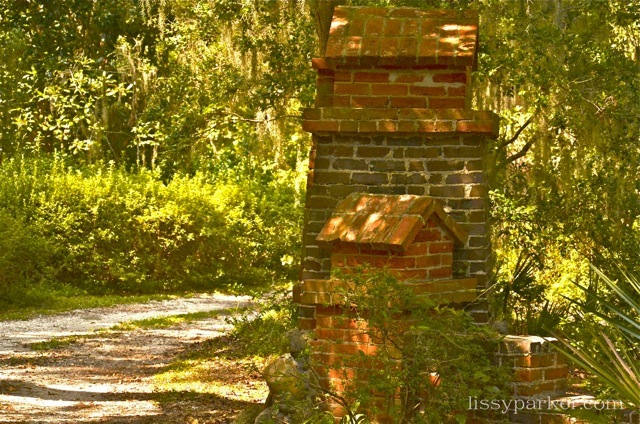 Savannah brick columns mark this entry—very unique