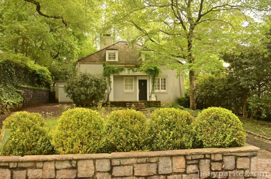 A stone wall and boxwood — perfection