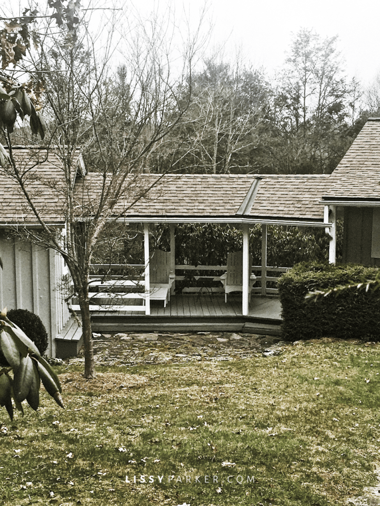 This porch connects the main house and quest house