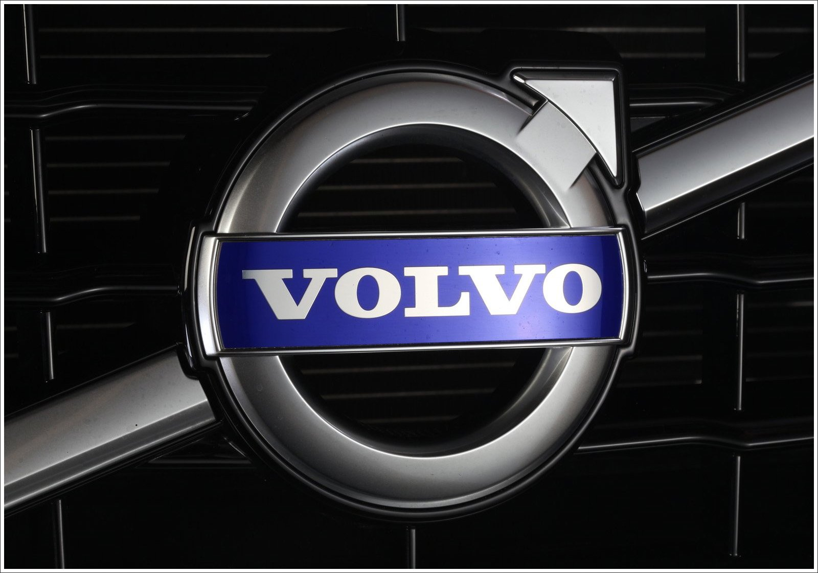 3d Hd Car Wallpaper For Laptop Volvo Logo Meaning And History Latest Models World Cars