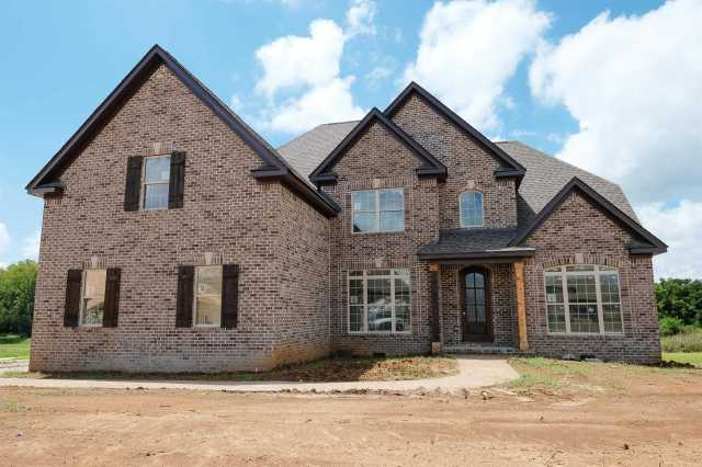 $489,900 - 4Br/3Ba -  for Sale in Autumn Ridge, Spring Hill