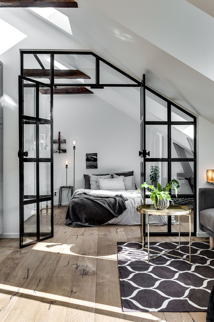 Idée Deco Appartement Pinterest Déco Salon Attic Apartment With Industrial Glass Wall Follow