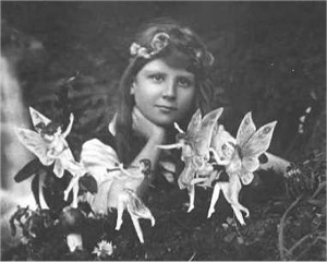 Cottingley Fairies 1-1