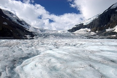 Columbia-Icefields-Athabasca-Glacier