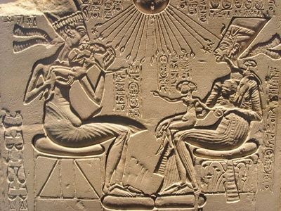 800Px-Akhenaten, Nefertiti And Their Children
