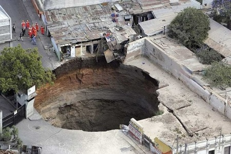 Guatemala Sink Hole 2