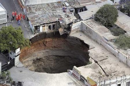 Guatemala Sink Hole 2