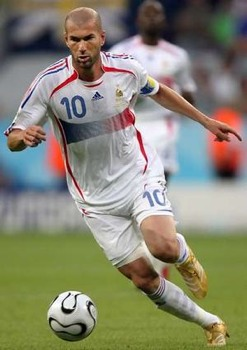 Zinedinezidane2 Narrowweb  300X424,2
