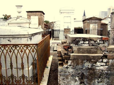 887104-St-Louis-Cemetery-No-1-0