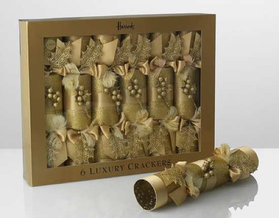 Luxury-6-Christmas-Cracker-Thumb-450X352