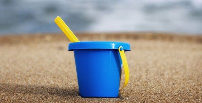 1358100813_800px-sand_bucket