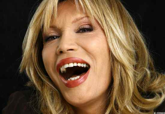 Amanda Lear Ouv Reference