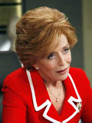 Two-And-A-Half-Men-Holland-Taylor-2