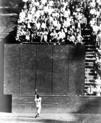 Willie-Mays-Catch-24