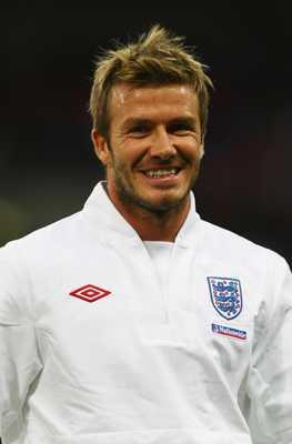 David+Beckham+Pose+02