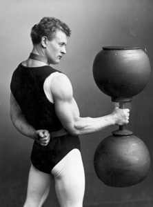 Sandow-Dumbbell-Pose
