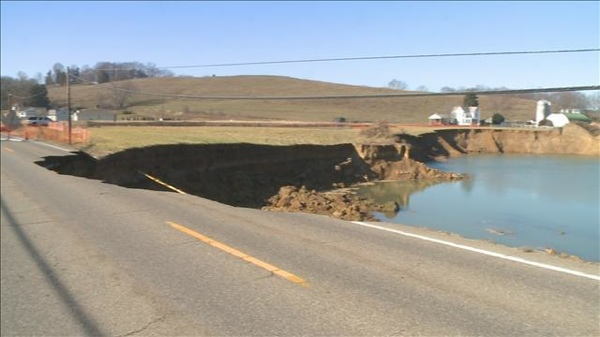 121129053324 Dover Sinkhole 02