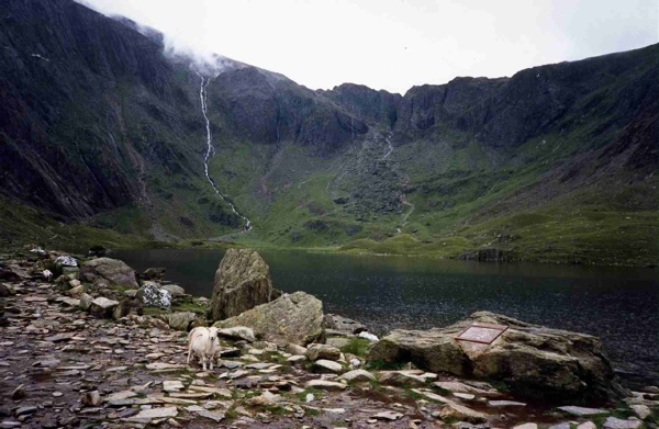 Cwm Idwal And Llyn Idwal