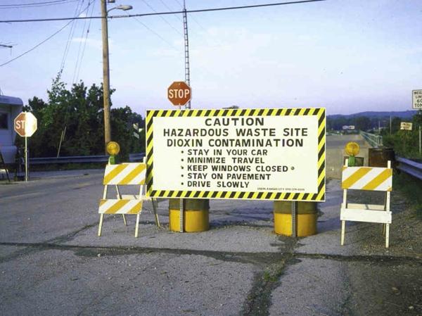Times-Beach-Sign-3574086Ef15D4D074C74E8E12Af85938Ff4403Ba-S6-C10