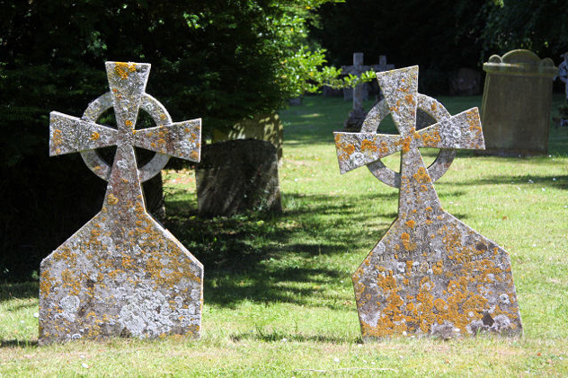 Gravestones In Lawshall Churchyard - Geograph.Org.Uk - 1379669