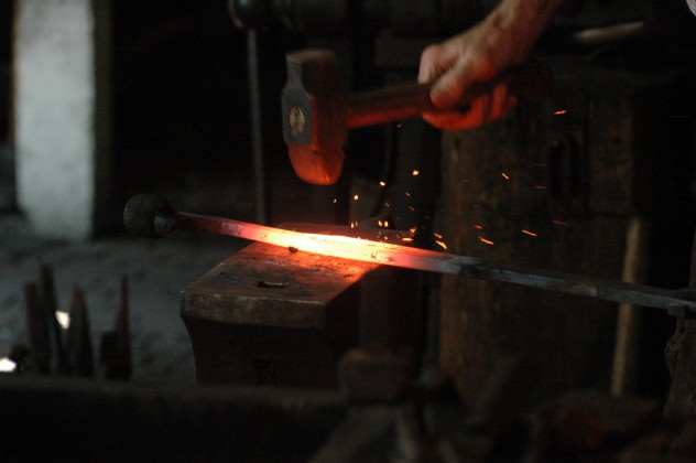 Blacksmith_working