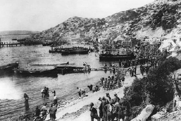 Gallipoli-Landing-at-Anzac-Cove-c-Australian-War-Memorial-Canberra1