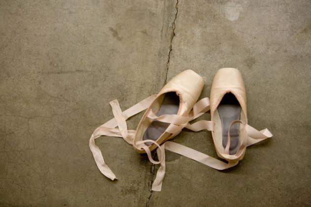 2 dancing shoes