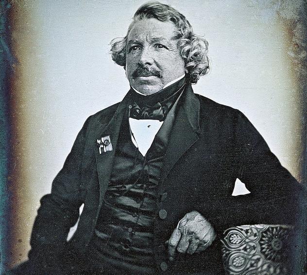 9_Louis_Daguerre