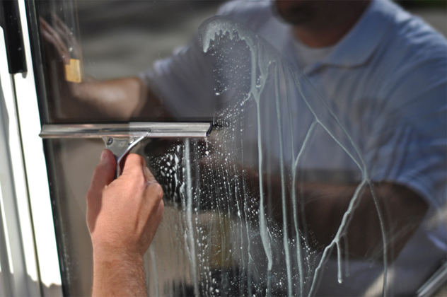 3- window washer