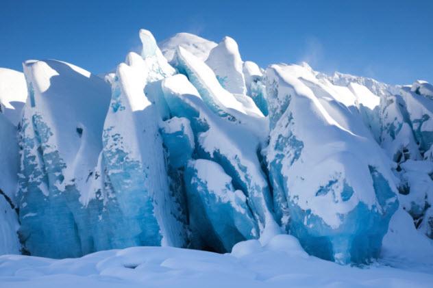 3-ice-477998551