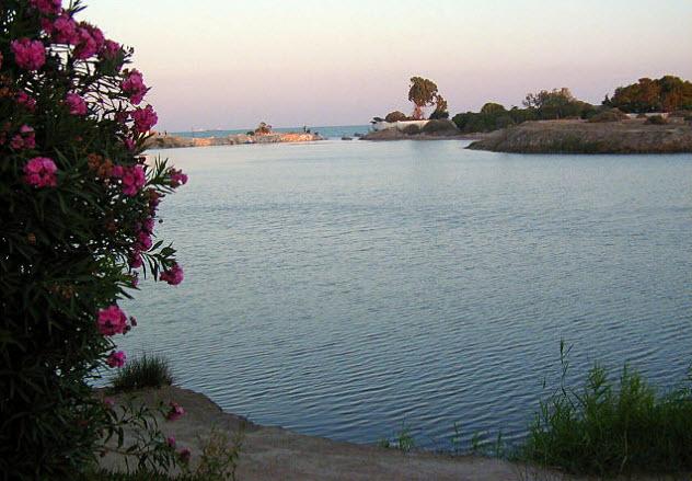 8-carthaginian-port