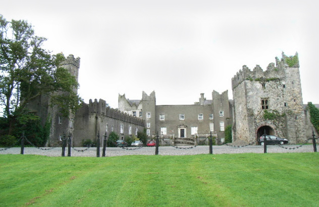 5a-howth-castle