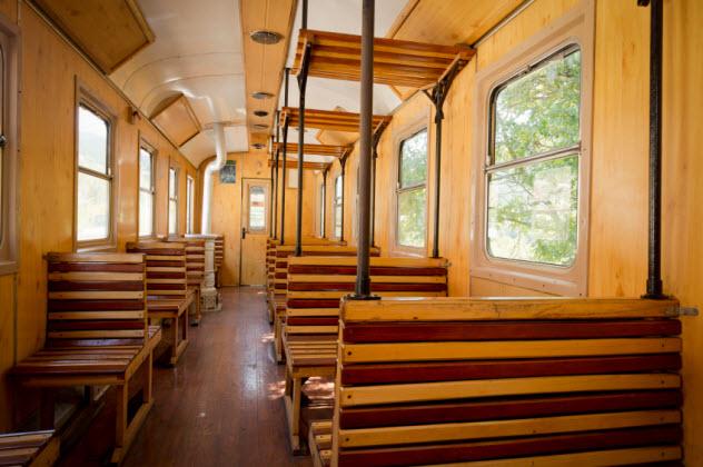 1-old-train-interior_000021390646_Small