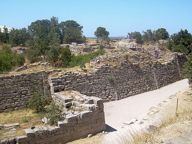 640px-Walls_of_Troy_(2)
