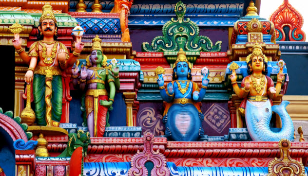 1a-multiple-hindu-gods-in-temple_83126453_SMALL