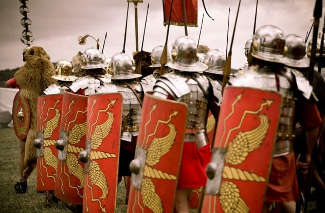 10a-roman-army-in-summer_7318310_SMALL