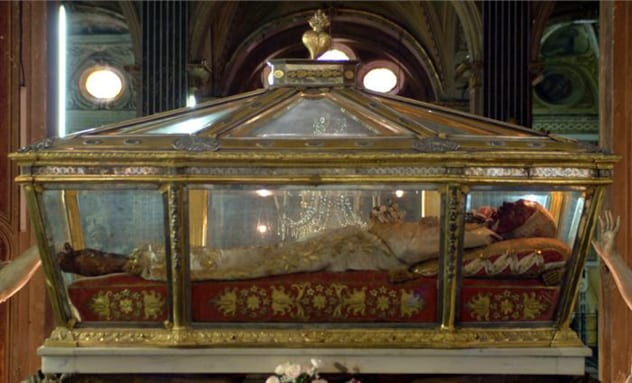 incorrupt_body_st_catherine_of_genoa