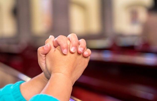 4a-praying_67645063_small