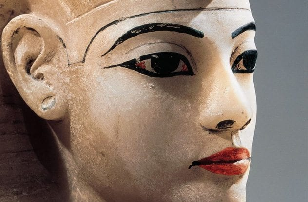 egyptian cosmetics Egyptian make up egyptian make up and cosmetics the ancient egyptians, both men and women, wore distinct eye make up, rouge and perfumed oils that softened the skin and prevented burning in the sun and damage from the sandy winds.