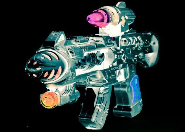 8a-ray-gun-179241367