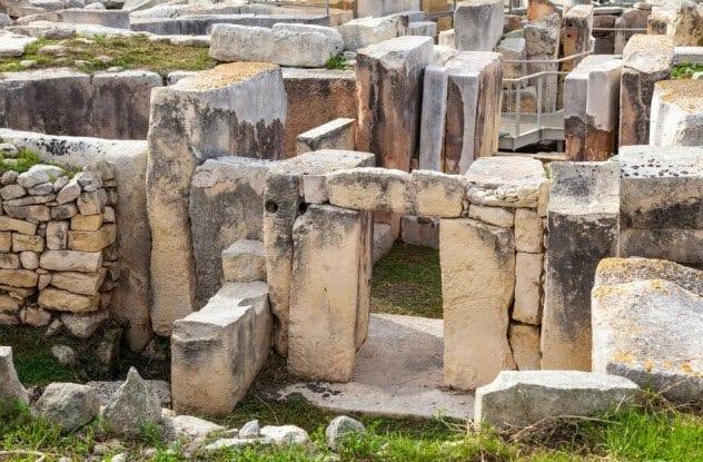 6-temple-people-malta