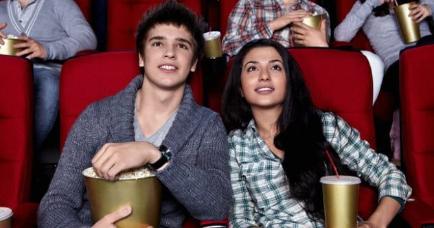 feature-a-cult-movie-audience-152966721
