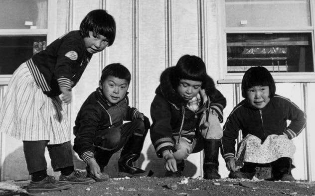 4a-inuit-children