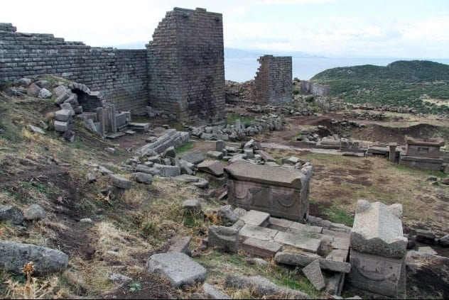 assos-necropolis